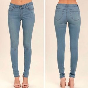 Classic Light Wash Mid-Rise Skinny Jeans